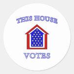 Esta casa vota pegatina redonda