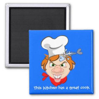 Esta cocina tiene un gran cocinero imán cuadrado