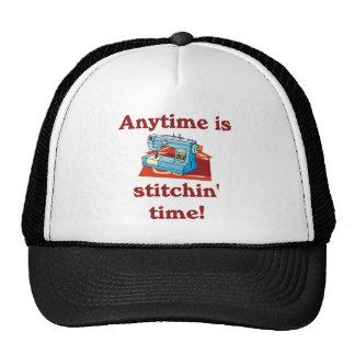 Está en cualquier momento el gorra de la costurera