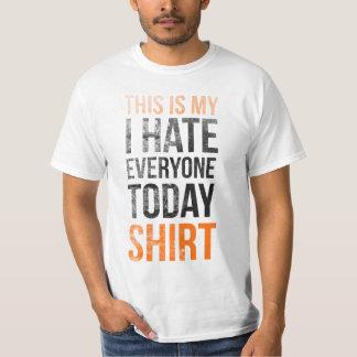 Ésta es mi (odio cada uno hoy) camisa