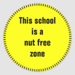 Esta escuela es una zona franca de la nuez pegatina redonda