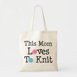 Esta mamá ama hacer punto bolsa de mano