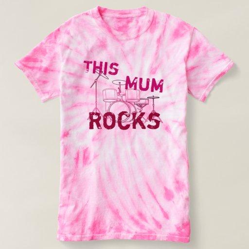 Esta mamá oscila en rosas remera
