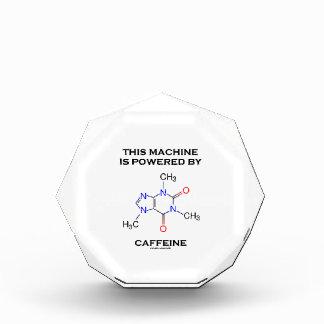 Esta máquina es accionada por el cafeína (la moléc