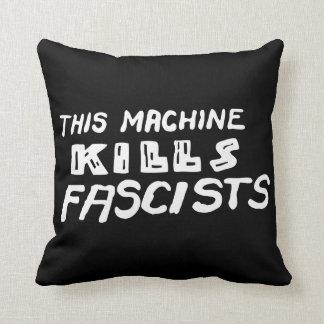 Esta máquina mata a las almohadas de tiro de los f