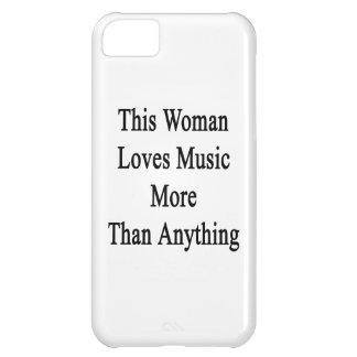 Esta mujer ama música más que cualquier cosa