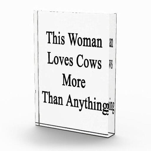 Esta mujer ama vacas más que cualquier cosa