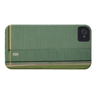 Esta pared se conoce como el monstruo verde Asq iPhone 4 Carcasas