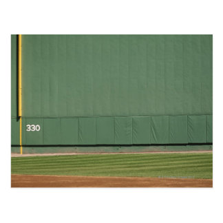 Esta pared se conoce como 'el monstruo verde. postal