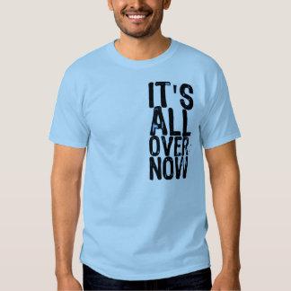 Está por todo ahora (en una camisa de los azules