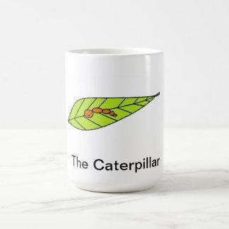 Esta taza tiene el diseño de una oruga linda