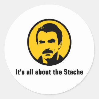 Está todo sobre el Stache Etiqueta Redonda