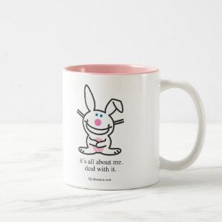 Está todo sobre mí taza de café de dos colores