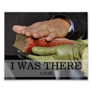ESTABA ALLÍ: Presidente Obama Hand en la biblia de Poster