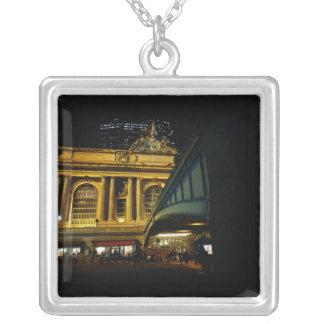 Estación central magnífica - noche - New York City Collar Plateado