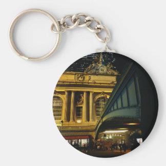 Estación central magnífica - noche - New York City Llavero Redondo Tipo Pin