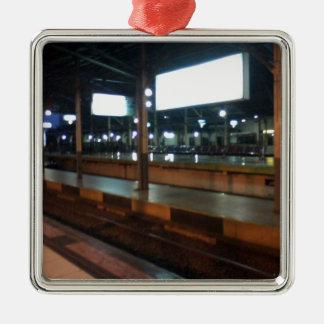 estación de tren adorno navideño cuadrado de metal