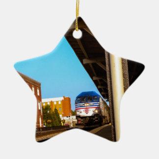 Estación de tren adorno navideño de cerámica en forma de estrella