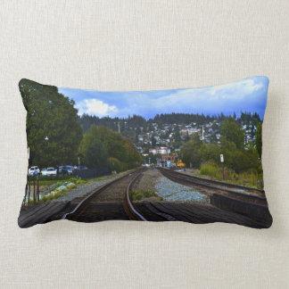 Estación de tren con el estacionamiento almohadas
