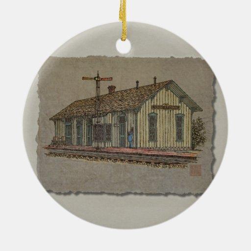 Estación de tren de la pequeña ciudad adorno para reyes