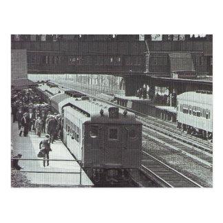Estación de Woodside con el ferrocarril de Long Tarjetas Postales