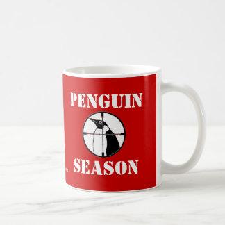 Estación del pingüino taza básica blanca