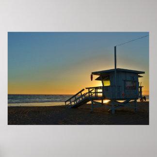 Estación del salvavidas en la playa California de  Póster