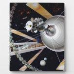 Estación espacial de la ciencia ficción del futuro placa de madera