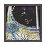 Estación espacial del anillo - construcción del es caja de joyas de calidad