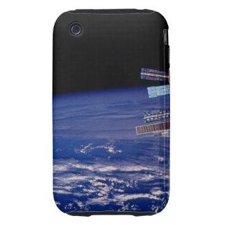 Estación espacial del MIR que flota sobre la tierr Tough iPhone 3 Funda