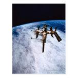 Estación espacial en la órbita 11 postales