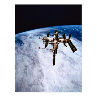 Estación espacial en la órbita 11 postal