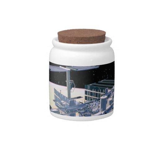 Estación espacial en la órbita 4 jarra para caramelo