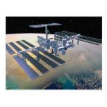 Estación espacial en la órbita 4 postal