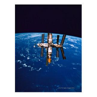 Estación espacial en la órbita 5 tarjeta postal