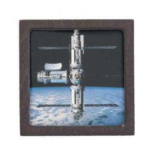 Estación espacial en la órbita 7 caja de regalo de calidad