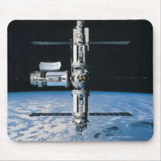 Estación espacial en la órbita 7 tapetes de ratón