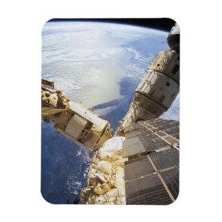 Estación espacial en la órbita 8 imanes rectangulares