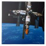 Estación espacial en órbita azulejo cerámica