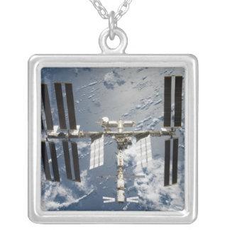 Estación espacial internacional 14 colgante cuadrado