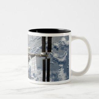 Estación espacial internacional 14 taza de café de dos colores