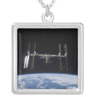 Estación espacial internacional 9 colgante cuadrado