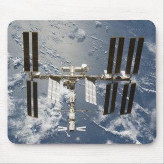 Estación espacial internacional con el laboratorio alfombrilla de ratones