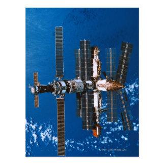 Estación espacial que está en órbita en espacio postal