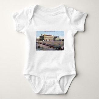 Estación marítima, vintage 1910 de Napoli Italia Body Para Bebé