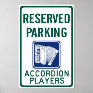 Estacionamiento del jugador del acordeón poster