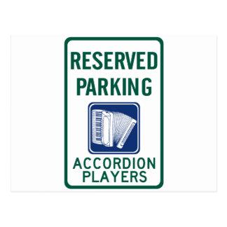 Estacionamiento del jugador del acordeón tarjeta postal