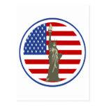 Estado de la libertad en bandera de los E.E.U.U. Tarjeta Postal