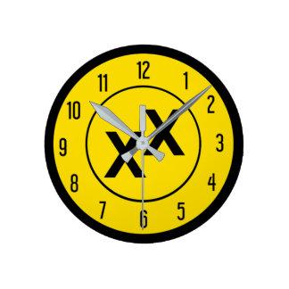 Estado del reloj de pared de la Doble-Cruz X X de