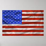 Estados Unidos señalan el poster por medio de una